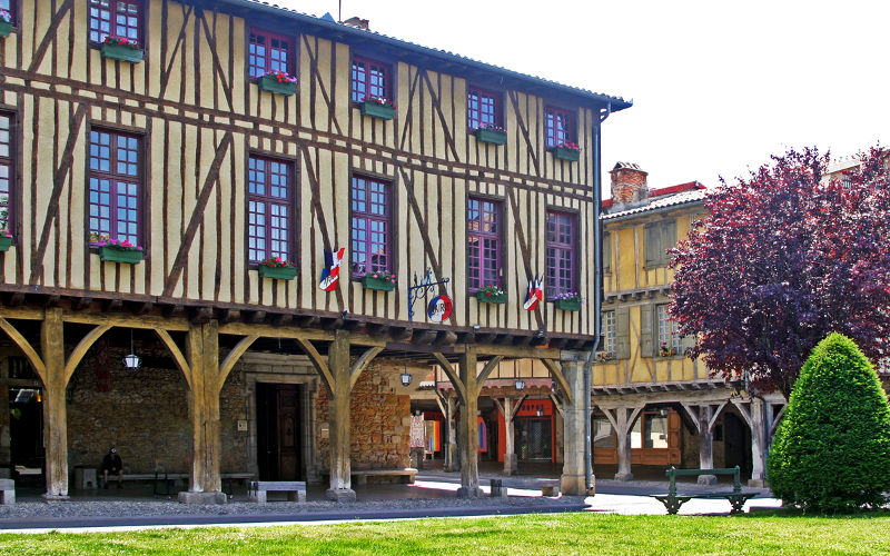 Mirepoix and its Facades